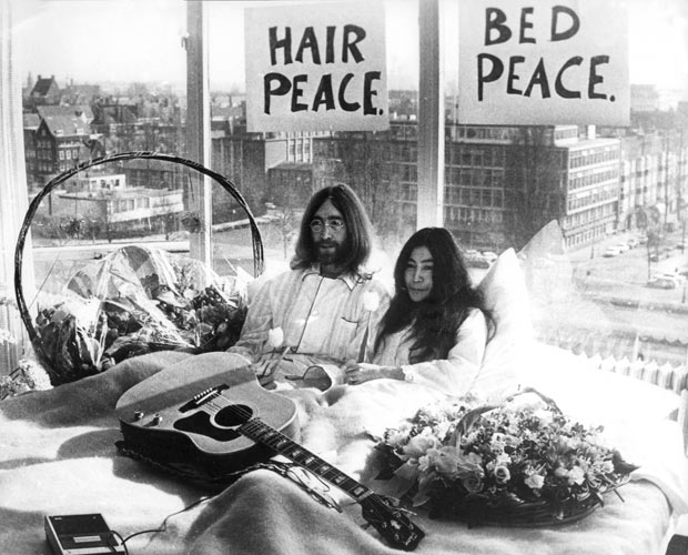 Make a Date with History at John and Yoko Suite at Amsterdam Hilton -970