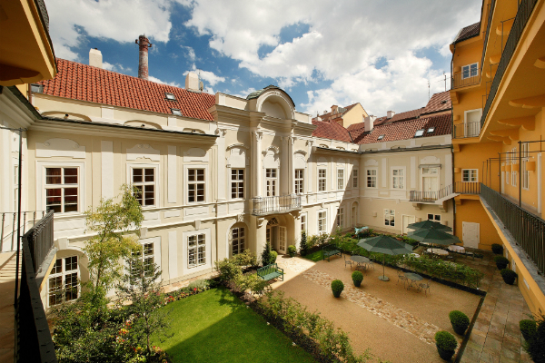 Mamaison_Suite_Hotel_Pachtuv_Palace_Prague_Room_Suggesion