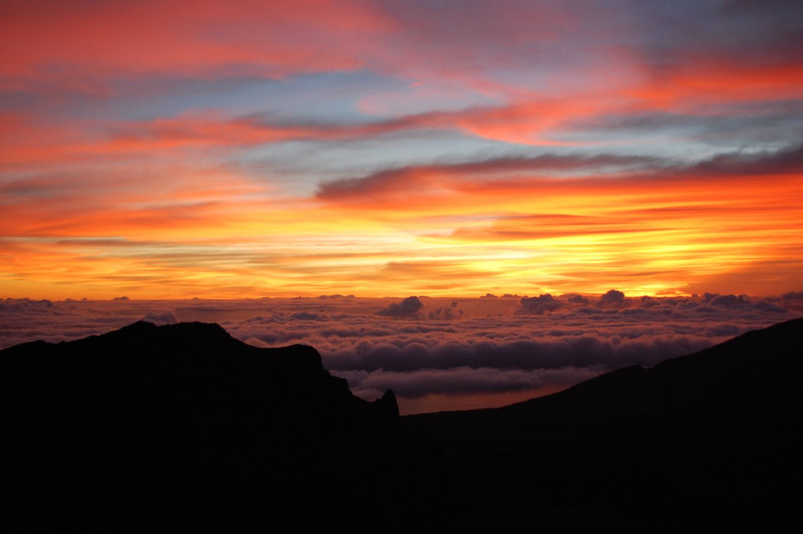 Maui-haleakala-sunrise-hawaii-new-years
