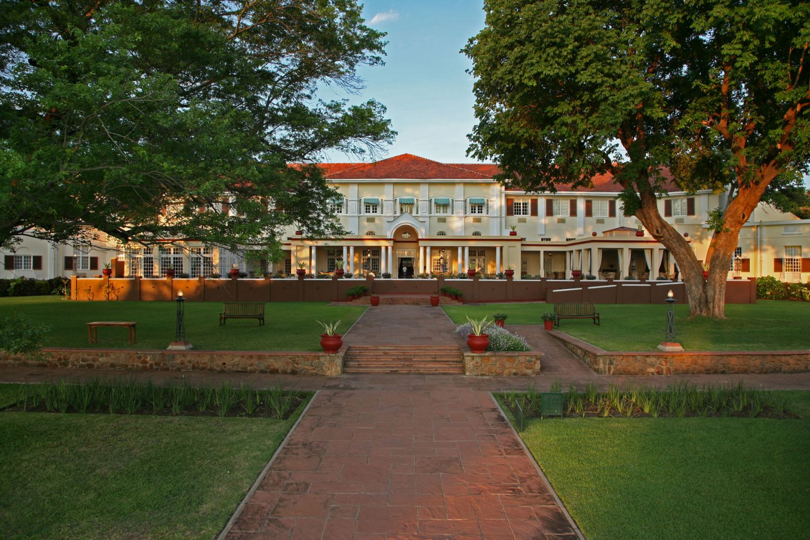 Hotel in History: The Victoria Falls Hotel -775