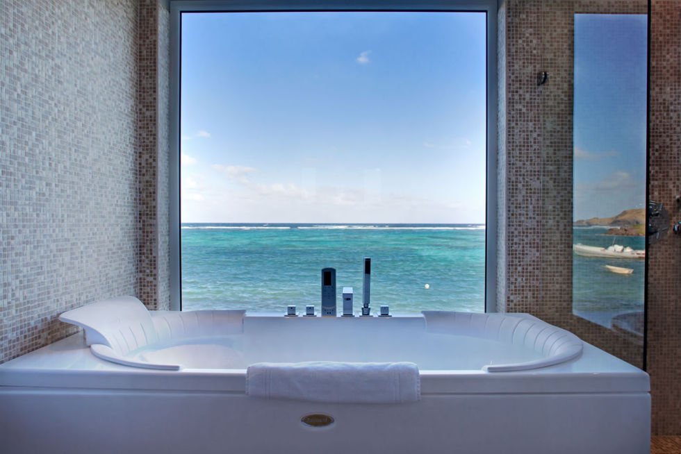 Admiral Suite Bathroom