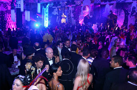 Ten things to know about the rio carnival for Miroir night club rio de janeiro