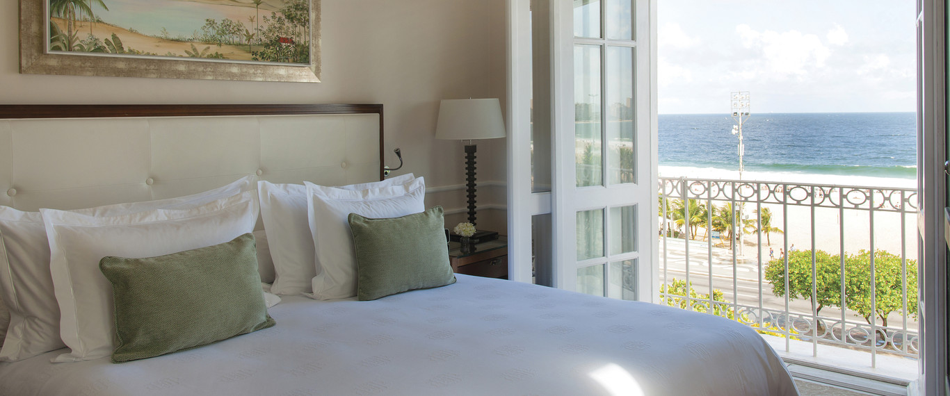 room_deluxe_beach_view_suite-copacabana-palace