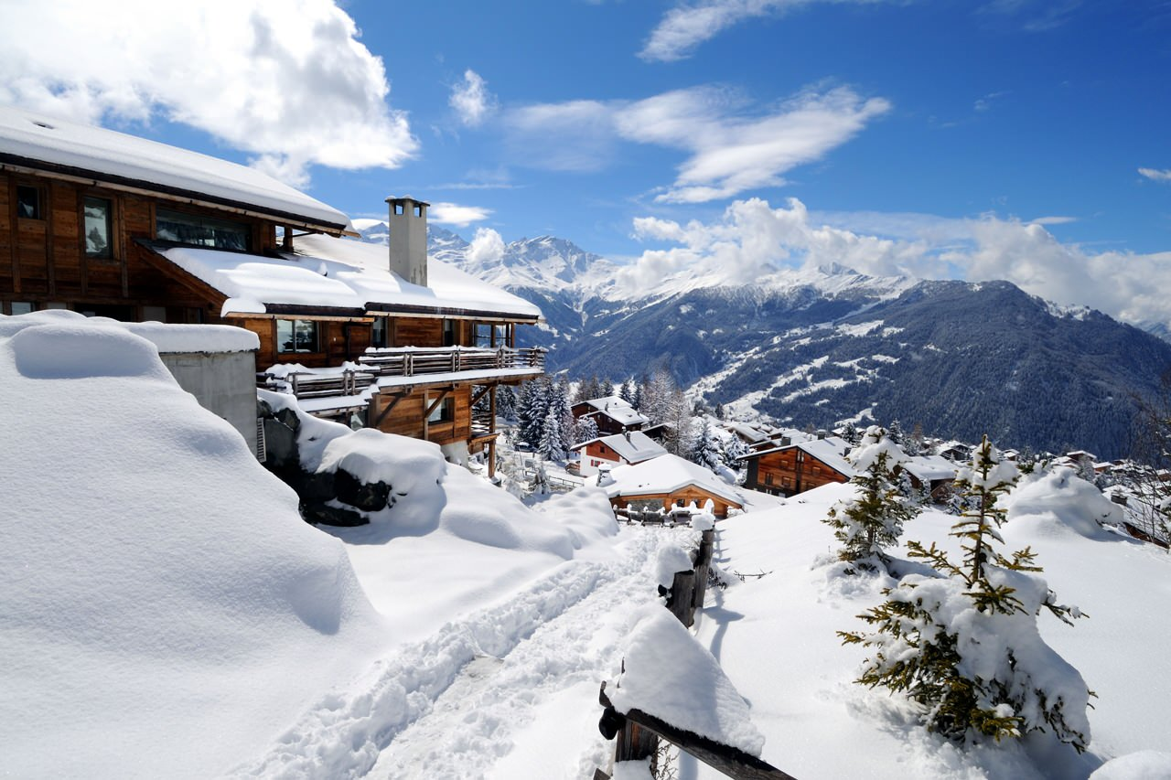 Top Ten Chalets with stunning Snowy Views-6
