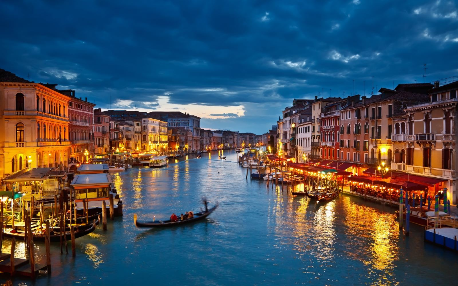 venice-italy-romantic-cities